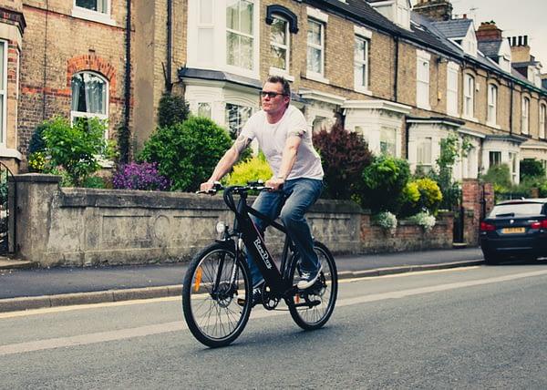 Avatar E-bike riding in the street